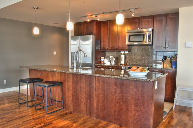 Photo 5: Photos: 701-160 Lakeshore Dr W in Penticton: Okanagan Lake Area Residential Attached for sale : MLS®# 147177
