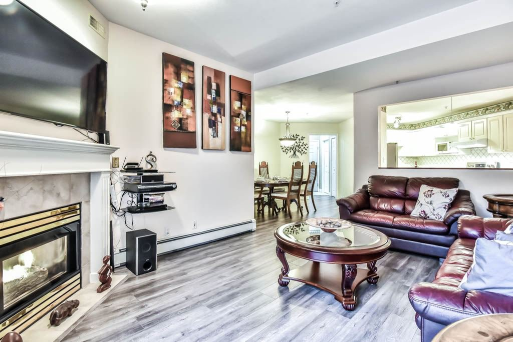 """Main Photo: 316 8142 120A Street in Surrey: Queen Mary Park Surrey Condo for sale in """"Sterling court"""" : MLS®# R2408107"""
