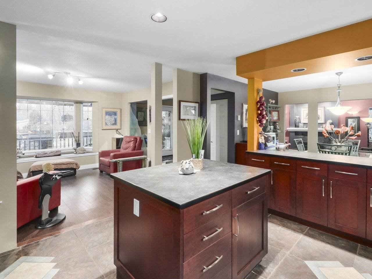 Photo 10: Photos: 13957 32 Avenue in Surrey: Elgin Chantrell House for sale (South Surrey White Rock)  : MLS®# R2466206