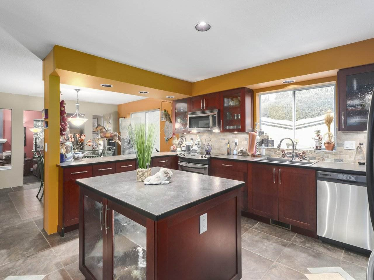Photo 9: Photos: 13957 32 Avenue in Surrey: Elgin Chantrell House for sale (South Surrey White Rock)  : MLS®# R2466206