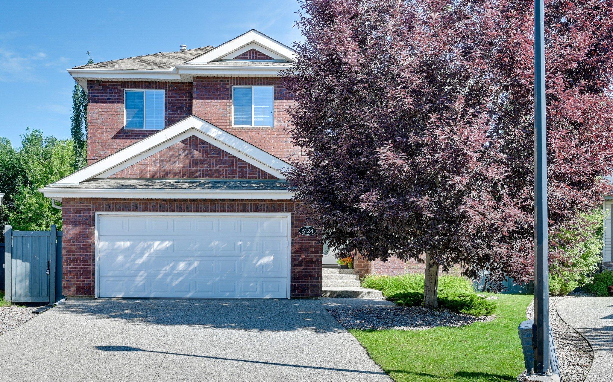 Main Photo: 5124 TERWILLEGAR Boulevard in Edmonton: House for sale
