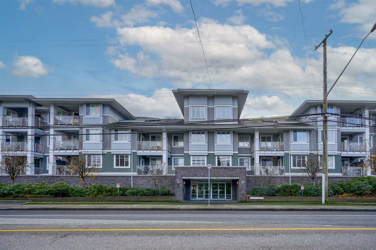 "Main Photo: 312 46262 FIRST Avenue in Chilliwack: Chilliwack E Young-Yale Condo for sale in ""The Summit"" : MLS®# R2522229"
