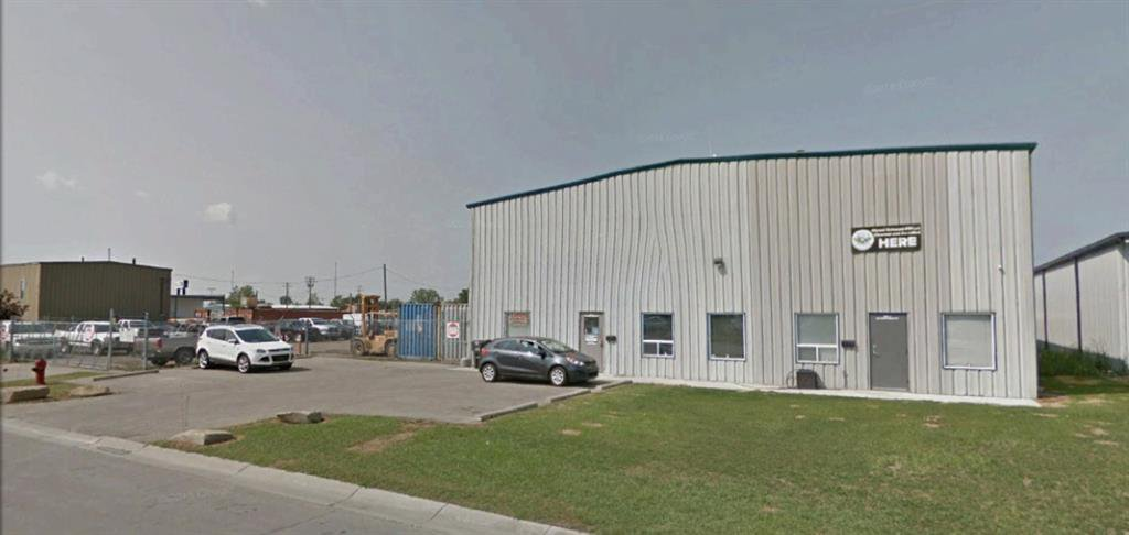 Main Photo: 2 29 East Lake Way NE: Airdrie Industrial for lease : MLS®# A1058545