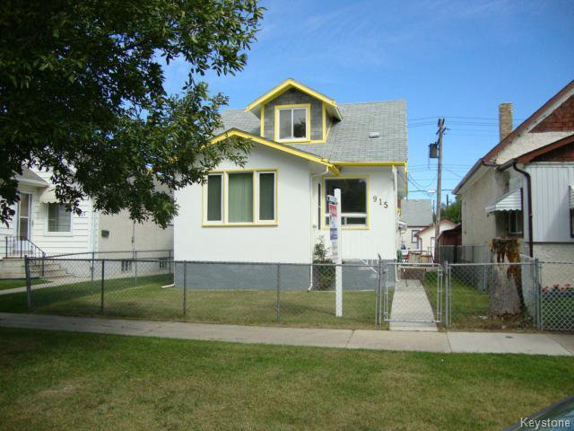 Main Photo: 915 BOYD Avenue in WINNIPEG: North End Residential for sale (North West Winnipeg)  : MLS®# 1319545