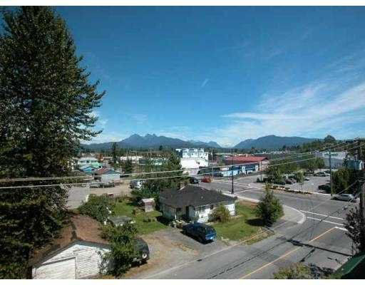 """Main Photo: 439 22661 LOUGHEED HY in Maple Ridge: East Central Condo for sale in """"GOLDEN EARS GATE"""" : MLS®# V551034"""