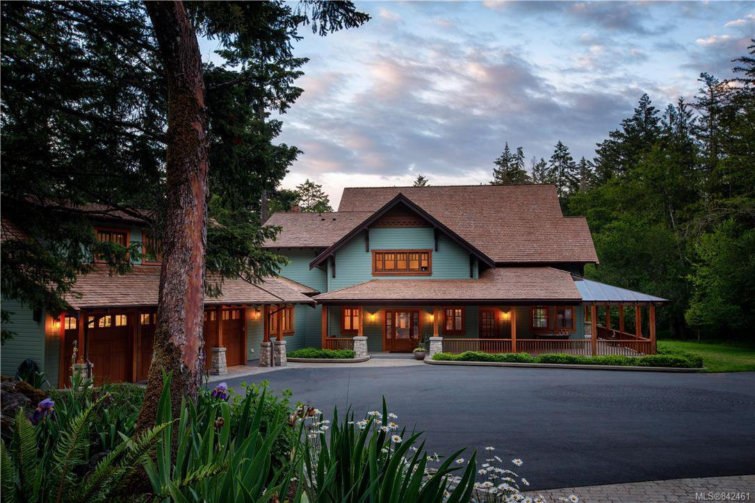 Main Photo: 4586 Stratford Rd in Saanich: SW Prospect Lake House for sale (Saanich West)  : MLS®# 842461