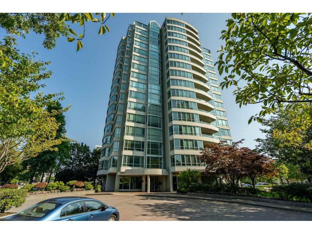 "Main Photo: 1701 15038 101 Avenue in Surrey: Guildford Condo for sale in ""GUILDFORD MARQUIS"" (North Surrey)  : MLS®# R2504804"