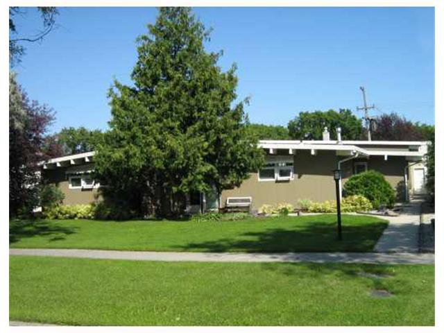 Main Photo: 768 Niagara Street in WINNIPEG: River Heights / Tuxedo / Linden Woods Residential for sale (South Winnipeg)  : MLS®# 1208238