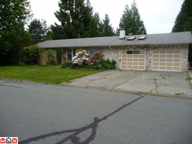 Main Photo: 1935 LILAC Drive in Surrey: King George Corridor House for sale (South Surrey White Rock)  : MLS®# F1214010