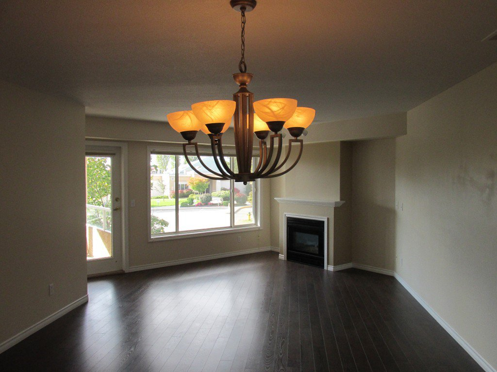 Main Photo: 312-265 Snowsell St in Kelowna: North Glenmore Condo for sale : MLS®# 10089469