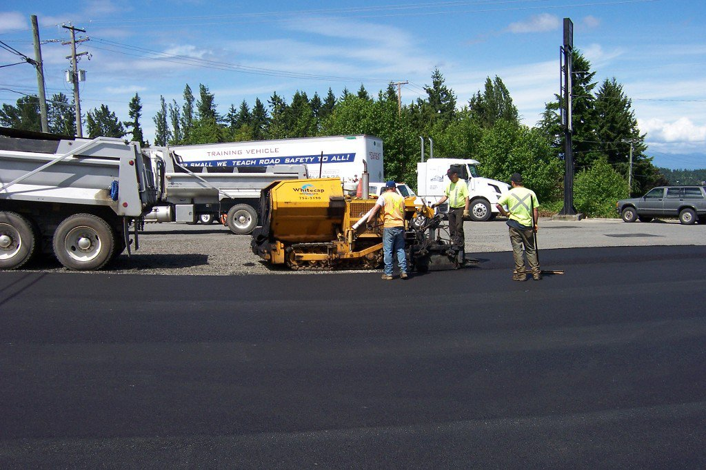 Main Photo: 10 Maki Road in Nanaimo: Z4 Extension Business Opportunity for sale (Zone 4 - Nanaimo)