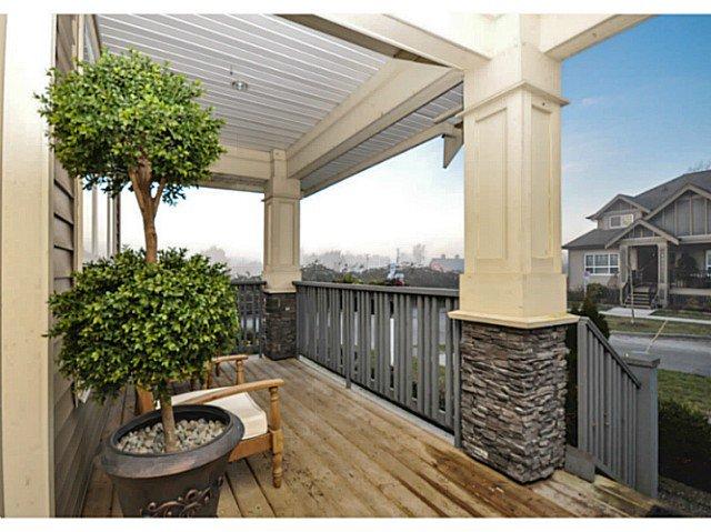Photo 2: Photos: 19306 73B AV in Surrey: Clayton House for sale (Cloverdale)  : MLS®# F1401646