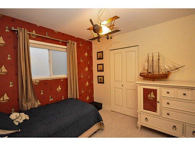 Photo 13: Photos: 19306 73B AV in Surrey: Clayton House for sale (Cloverdale)  : MLS®# F1401646