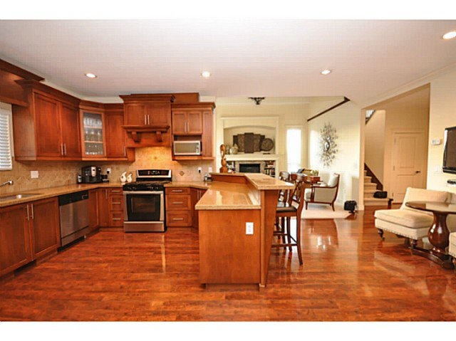 Photo 6: Photos: 19306 73B AV in Surrey: Clayton House for sale (Cloverdale)  : MLS®# F1401646