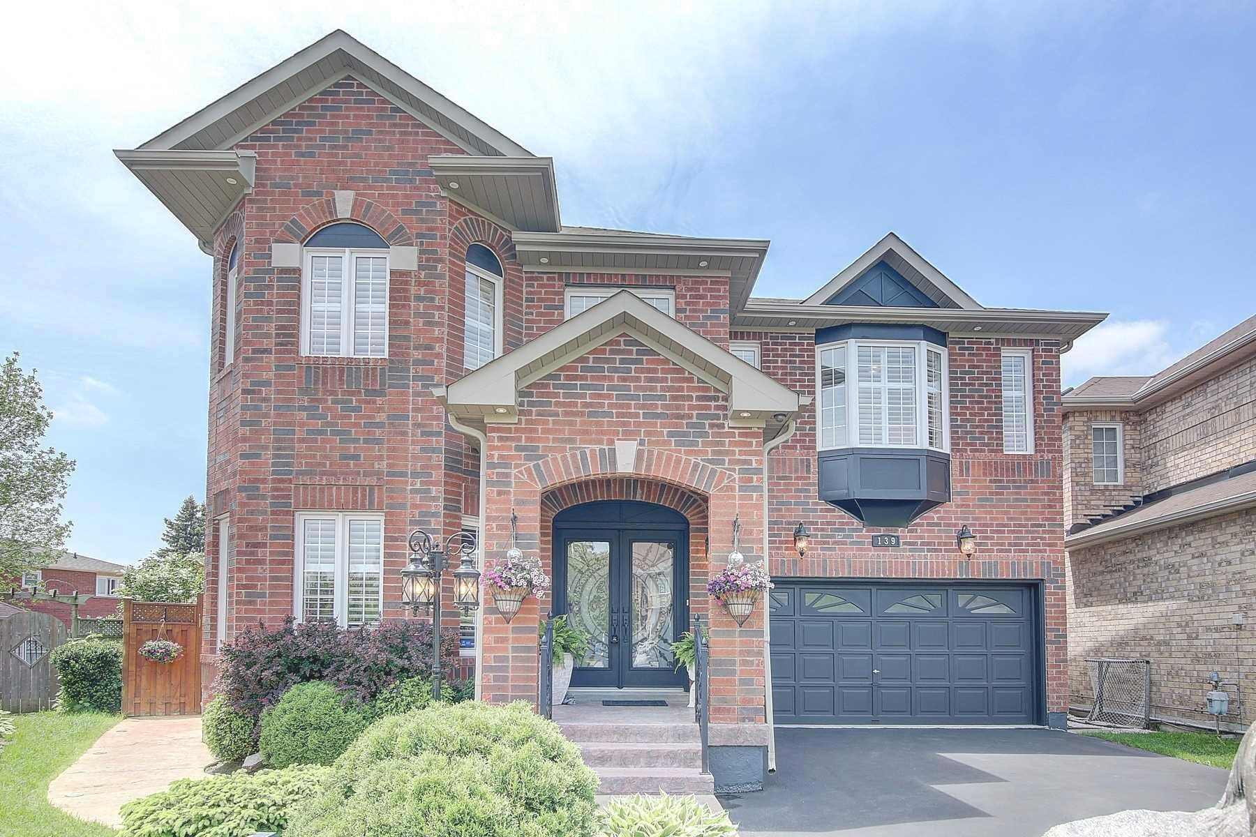 Main Photo: 139 Penndutch Circle in Whitchurch-Stouffville: Stouffville House (2-Storey) for sale : MLS®# N4779733