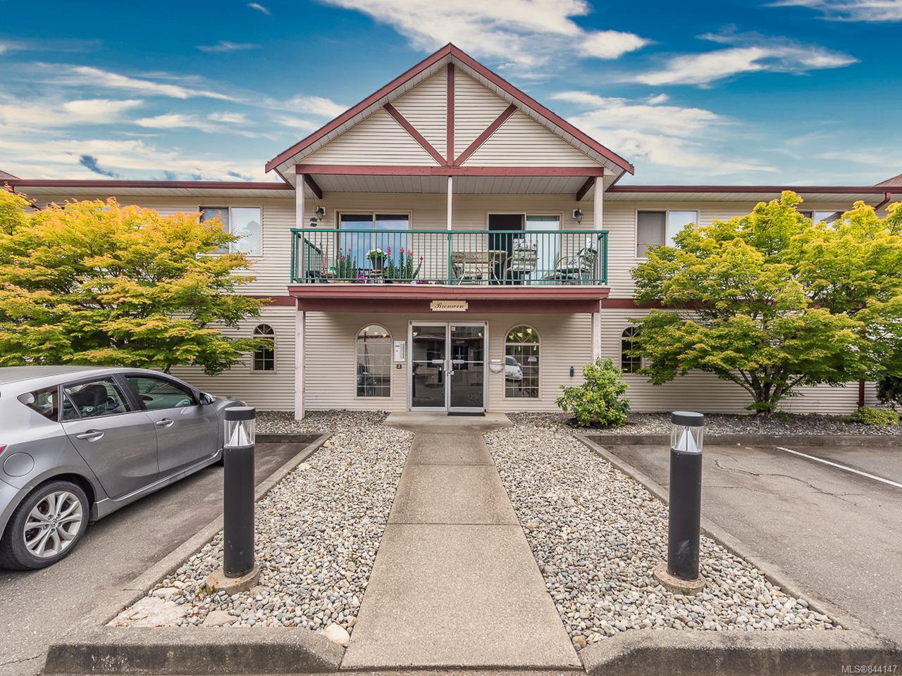 Main Photo: 215 1450 Tunner Dr in COURTENAY: CV Courtenay East Condo for sale (Comox Valley)  : MLS®# 844147