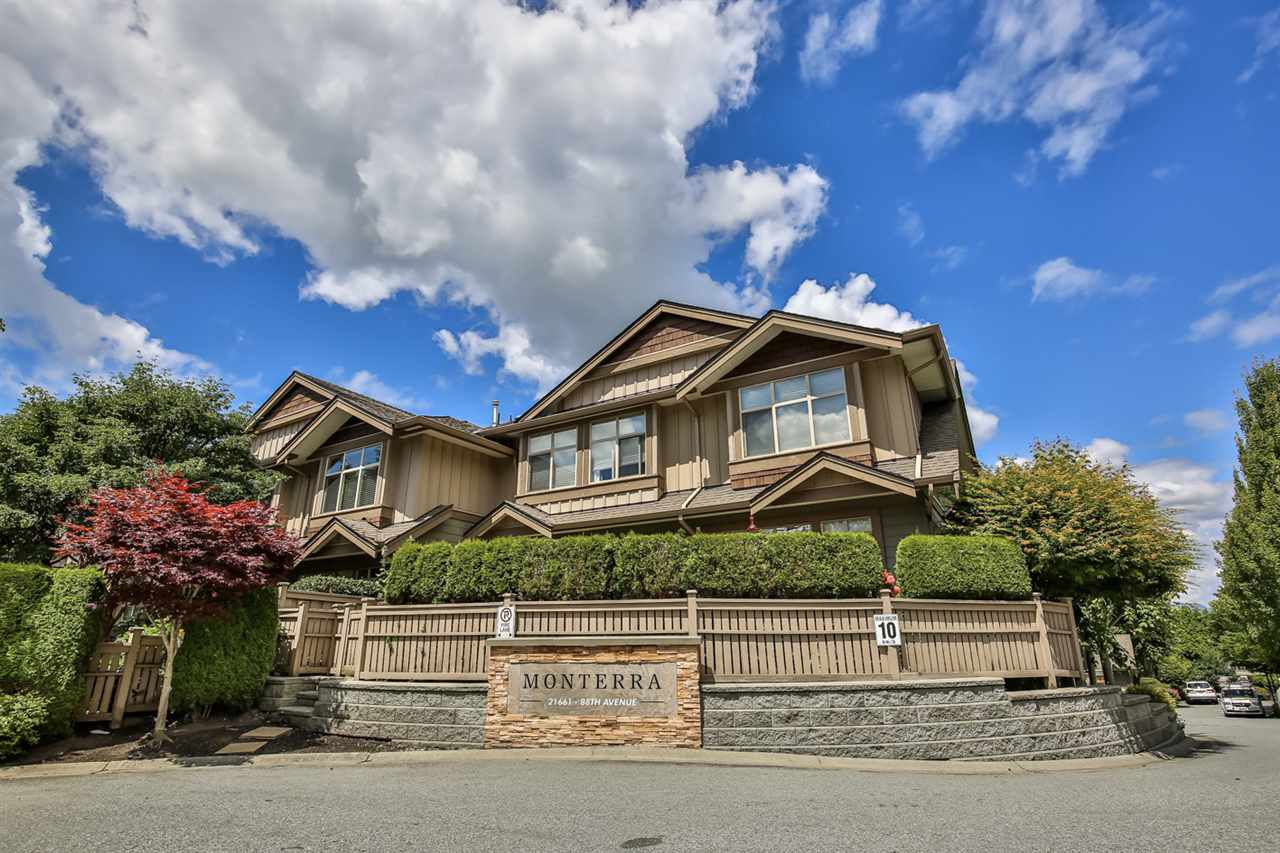 "Main Photo: 24 21661 88 Avenue in Langley: Walnut Grove Townhouse for sale in ""Monterra"" : MLS®# R2476056"