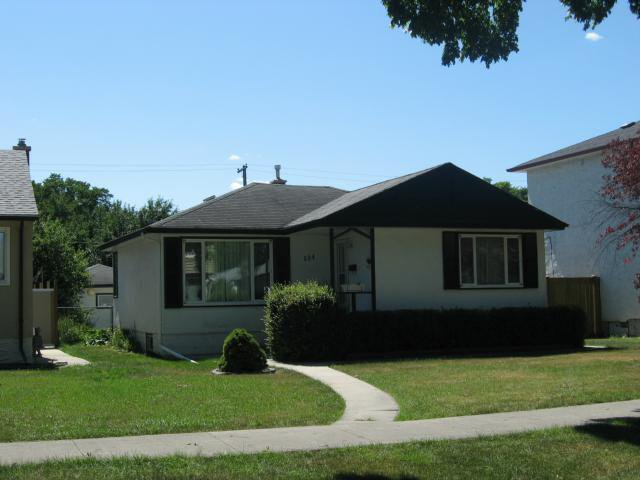 Main Photo: 534 Enniskillen Avenue in WINNIPEG: West Kildonan / Garden City Residential for sale (North West Winnipeg)  : MLS®# 1216336