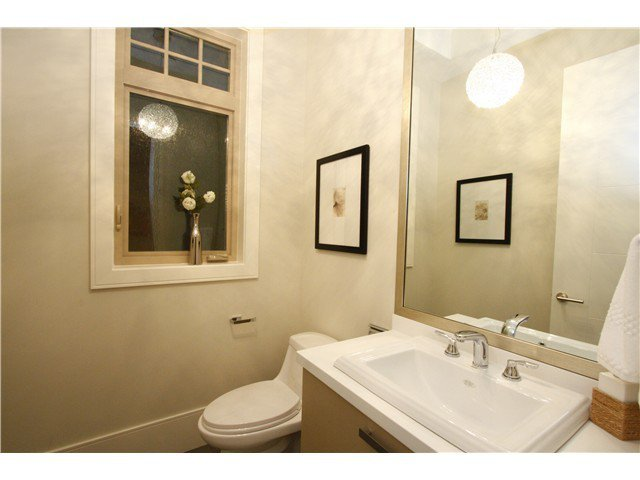 Photo 15: Photos: 3562 W 13TH Avenue in Vancouver: Kitsilano House for sale (Vancouver West)  : MLS®# V1075426