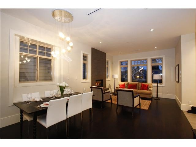 Photo 4: Photos: 3562 W 13TH Avenue in Vancouver: Kitsilano House for sale (Vancouver West)  : MLS®# V1075426