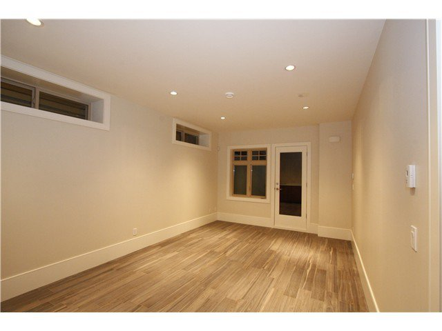 Photo 17: Photos: 3562 W 13TH Avenue in Vancouver: Kitsilano House for sale (Vancouver West)  : MLS®# V1075426