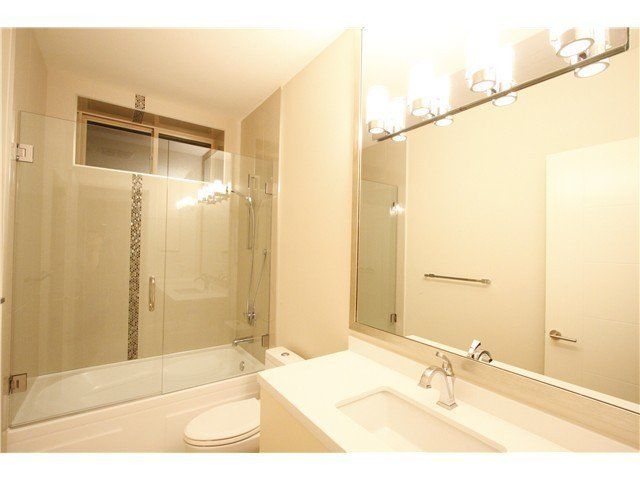 Photo 18: Photos: 3562 W 13TH Avenue in Vancouver: Kitsilano House for sale (Vancouver West)  : MLS®# V1075426