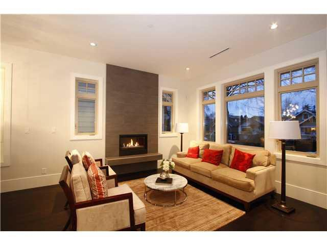 Photo 2: Photos: 3562 W 13TH Avenue in Vancouver: Kitsilano House for sale (Vancouver West)  : MLS®# V1075426