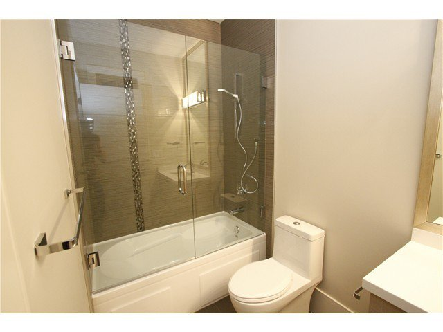 Photo 13: Photos: 3562 W 13TH Avenue in Vancouver: Kitsilano House for sale (Vancouver West)  : MLS®# V1075426