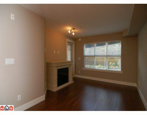 Photo 3: Photos: #211 30525 Cardinal Ave. in Abbotsford: Abbotsford West Condo for rent