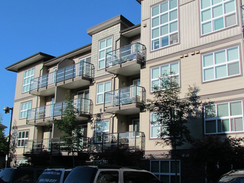 Photo 1: Photos: #211 30525 Cardinal Ave. in Abbotsford: Abbotsford West Condo for rent