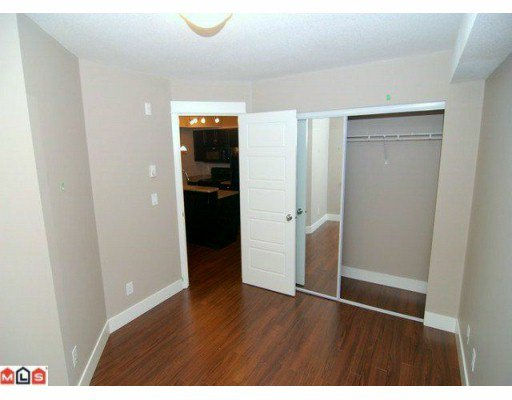 Photo 5: Photos: #211 30525 Cardinal Ave. in Abbotsford: Abbotsford West Condo for rent