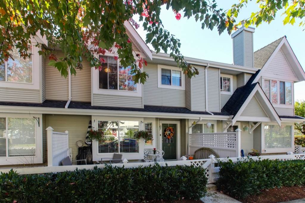 Main Photo: 45 23560 119 AVENUE in : Cottonwood MR Townhouse for sale : MLS®# R2315758