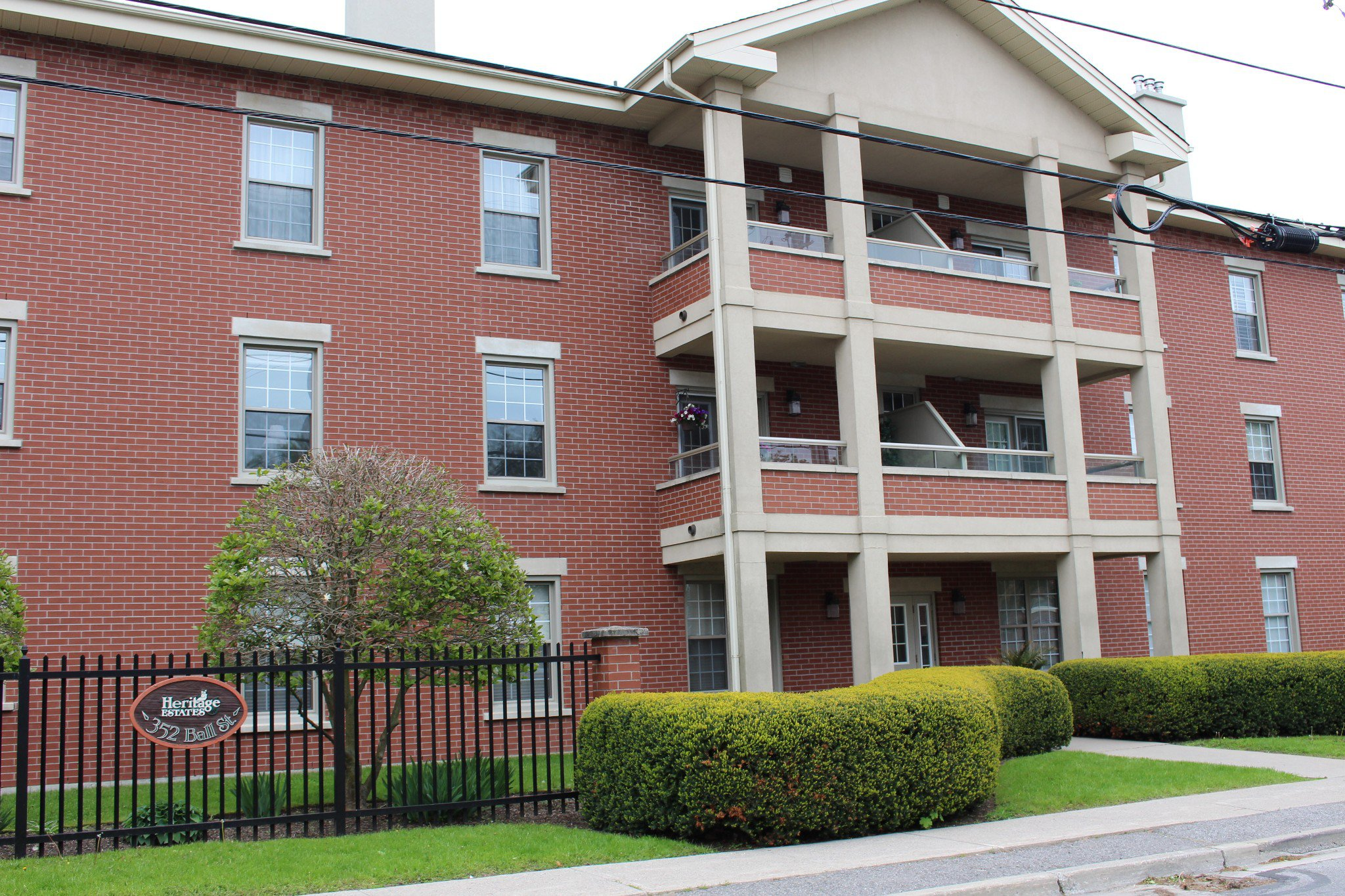 Main Photo: 102 352 Ball Street in Cobourg: Multifamily for sale : MLS®# 200480