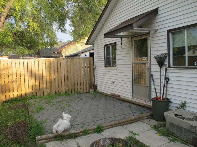 Photo 3: Photos:  in WINNIPEG: East Kildonan Residential for sale (North East Winnipeg)  : MLS®# 1210099