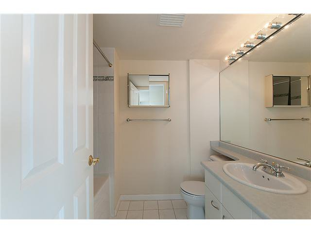 """Photo 5: Photos: # 1603 4425 HALIFAX ST in Burnaby: Brentwood Park Condo for sale in """"POLARIS"""" (Burnaby North)  : MLS®# V1005608"""