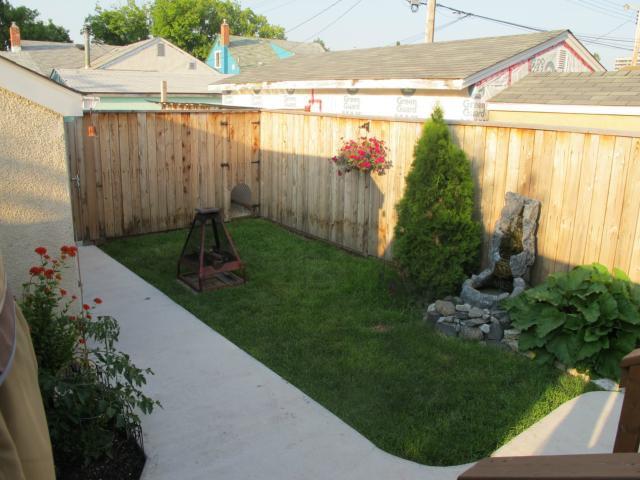 Photo 3: Photos:  in WINNIPEG: East Kildonan Residential for sale (North East Winnipeg)  : MLS®# 1315091