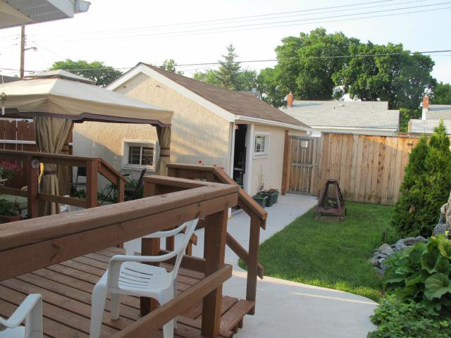 Photo 2: Photos:  in WINNIPEG: East Kildonan Residential for sale (North East Winnipeg)  : MLS®# 1315091