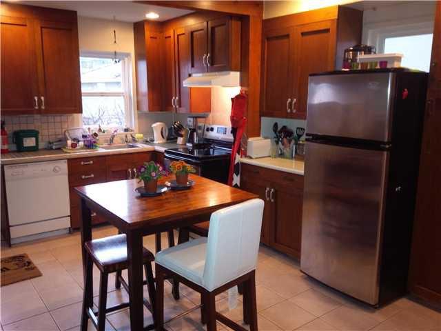 Photo 3: Photos: 2980 E 1ST AV in Vancouver: Renfrew VE House for sale (Vancouver East)  : MLS®# V1051069