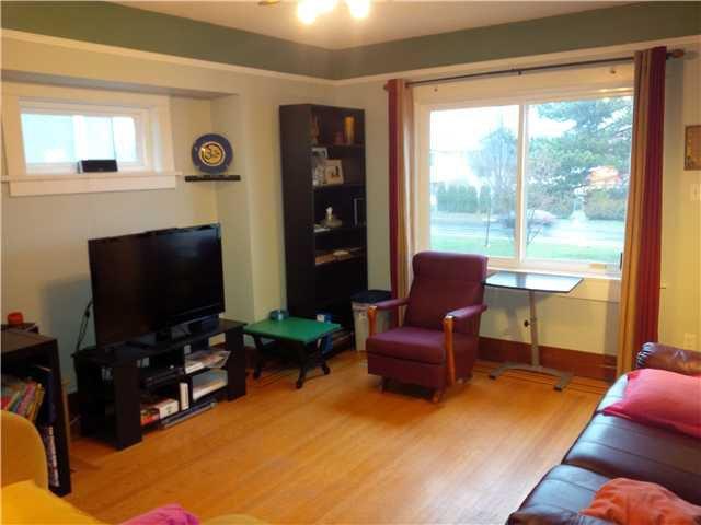 Photo 4: Photos: 2980 E 1ST AV in Vancouver: Renfrew VE House for sale (Vancouver East)  : MLS®# V1051069