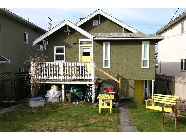 Photo 2: Photos: 2980 E 1ST AV in Vancouver: Renfrew VE House for sale (Vancouver East)  : MLS®# V1051069