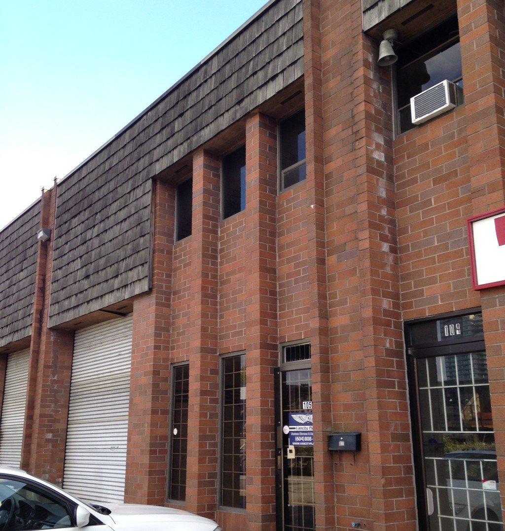 105-2544 Douglas Road