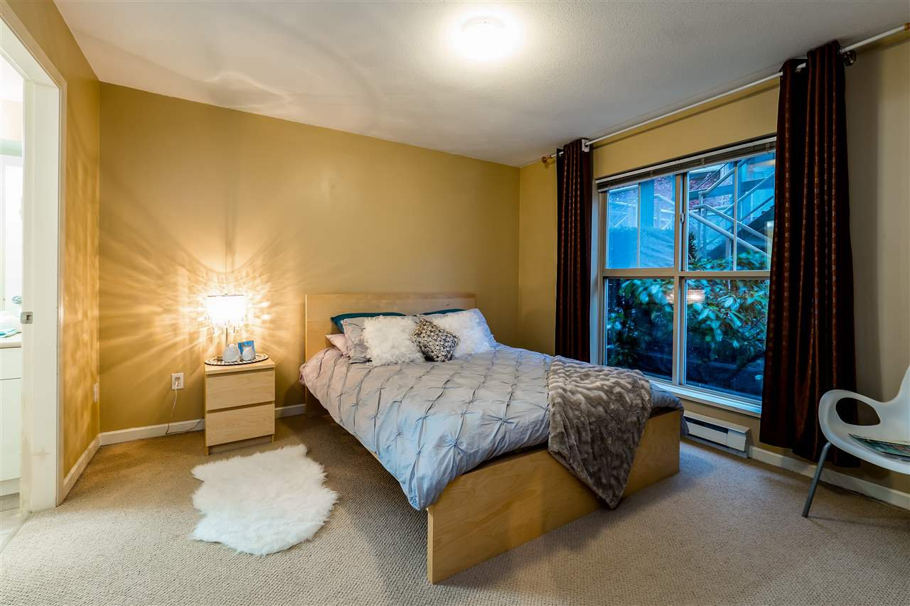 Main Photo: C10 332 LONSDALE AVENUE in North Vancouver: Lower Lonsdale Condo for sale : MLS®# R2124887
