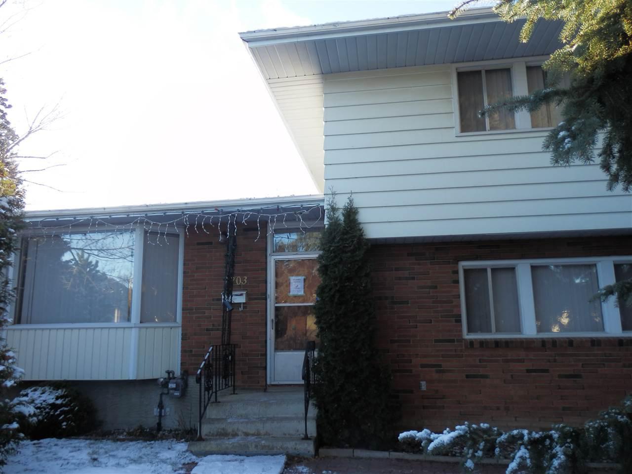 Main Photo:  in Edmonton: Zone 02 House for sale : MLS®# E4180750