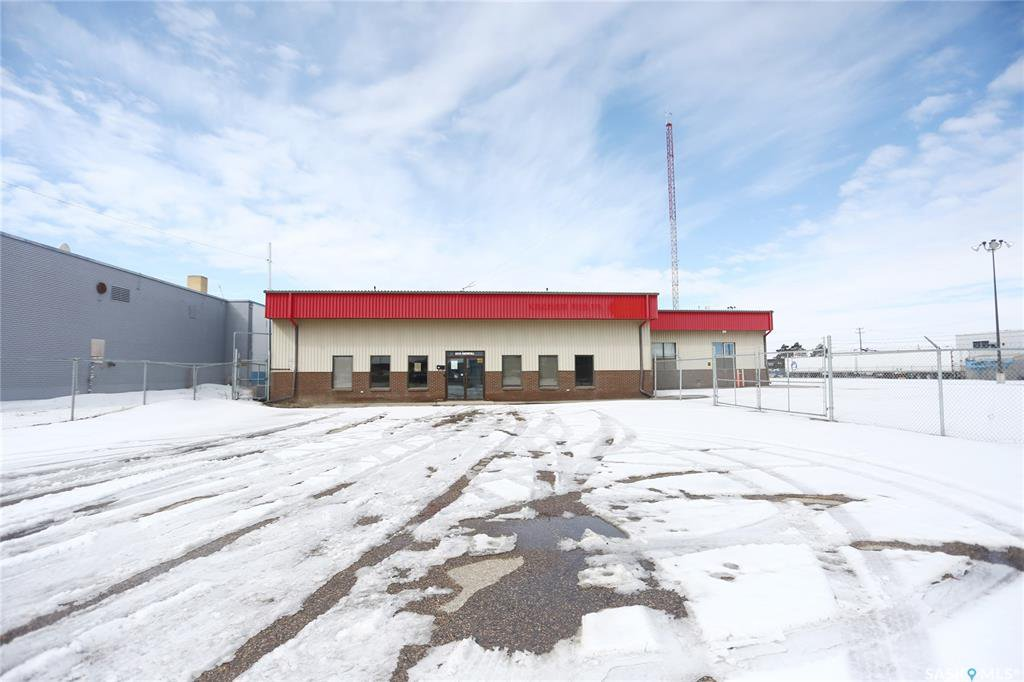 Main Photo: 2215 Faithfull Avenue in Saskatoon: North Industrial SA Commercial for lease : MLS®# SK805219