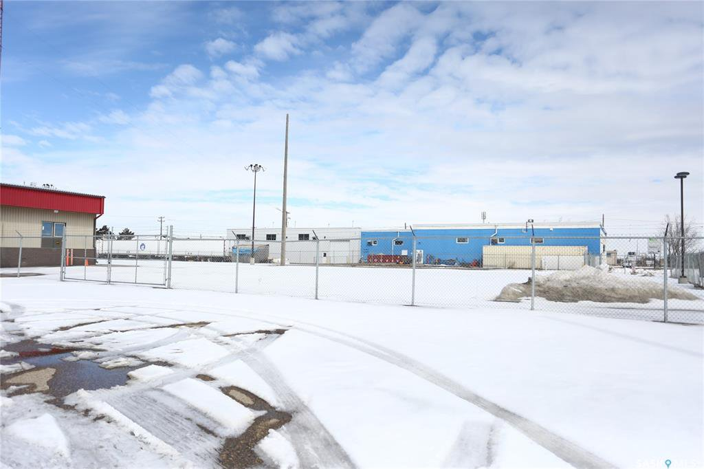 Photo 2: Photos: 2215 Faithfull Avenue in Saskatoon: North Industrial SA Commercial for lease : MLS®# SK805219