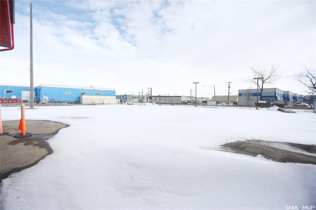 Photo 15: Photos: 2215 Faithfull Avenue in Saskatoon: North Industrial SA Commercial for lease : MLS®# SK805219