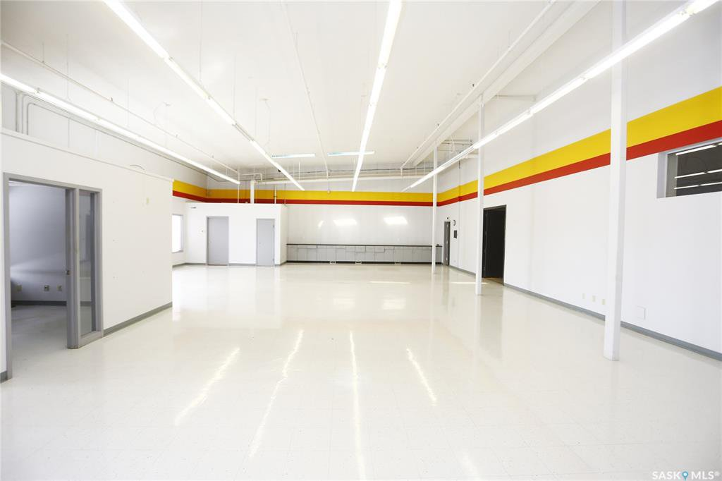 Photo 14: Photos: 2215 Faithfull Avenue in Saskatoon: North Industrial SA Commercial for lease : MLS®# SK805219