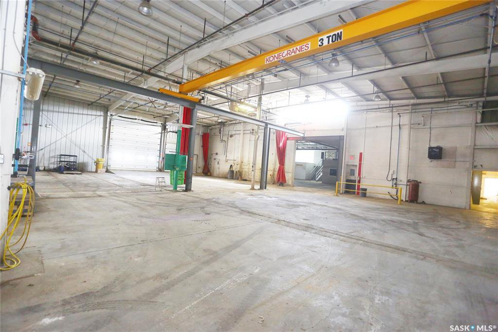 Photo 28: Photos: 2215 Faithfull Avenue in Saskatoon: North Industrial SA Commercial for lease : MLS®# SK805219