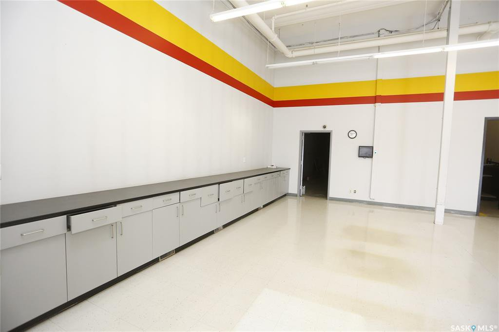 Photo 10: Photos: 2215 Faithfull Avenue in Saskatoon: North Industrial SA Commercial for lease : MLS®# SK805219