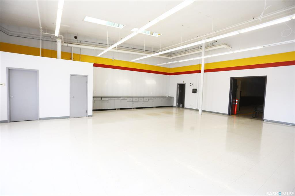 Photo 7: Photos: 2215 Faithfull Avenue in Saskatoon: North Industrial SA Commercial for lease : MLS®# SK805219
